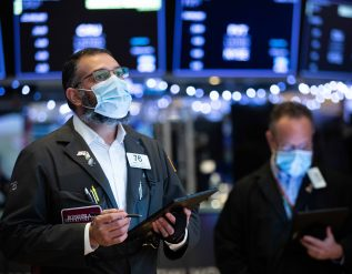 nasdaq-rises-to-record-as-investors-buy-apple-ahead-of-earnings-sp-500-is-flat