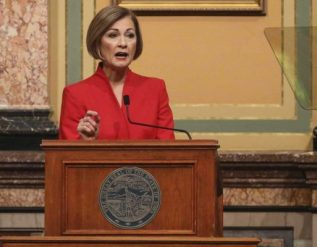 gov-reynolds-iowa-vaccinations-will-rise-as-more-doses-arrive