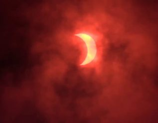 eclipse-timelapse-in-st-joseph-missouri