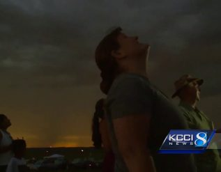 raw-eclipse-totality-in-st-joseph-mo