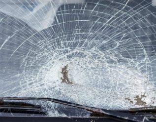 jamesport-woman-and-teen-hurt-in-crash-with-semi