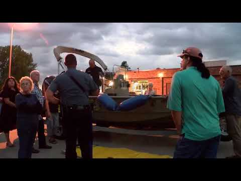local-citizens-getting-a-close-up-view-of-the-missouri-state-highway-patrol